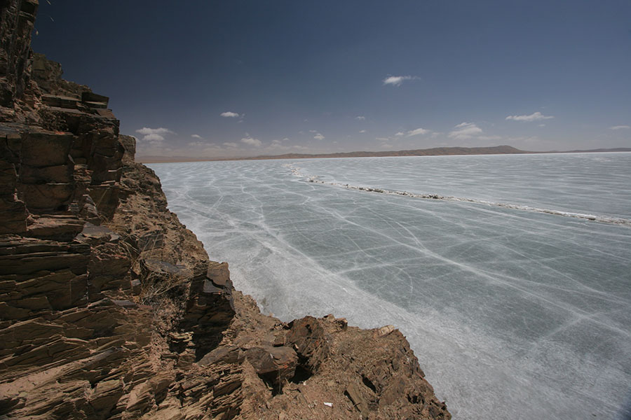 Looking out over Ngoring Lake in Qinghai province