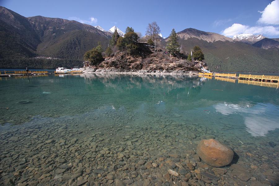 Tsozong monastery in Draksum-tso lake