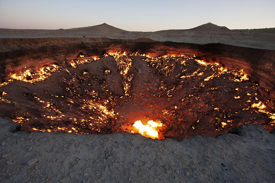 Darvaza gas krater in de woestijn