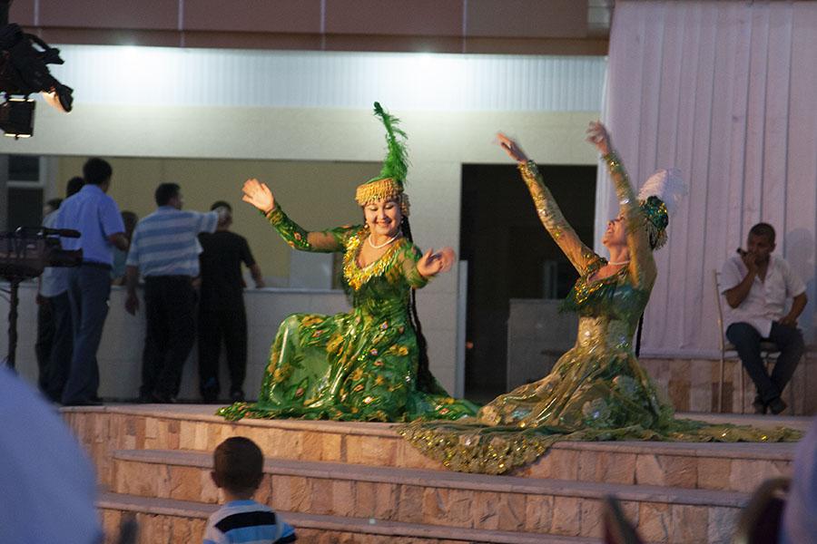 Danseressen op de bruiloft