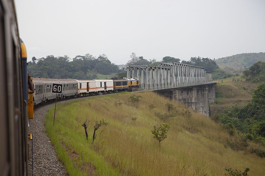 De trein naar Franceville