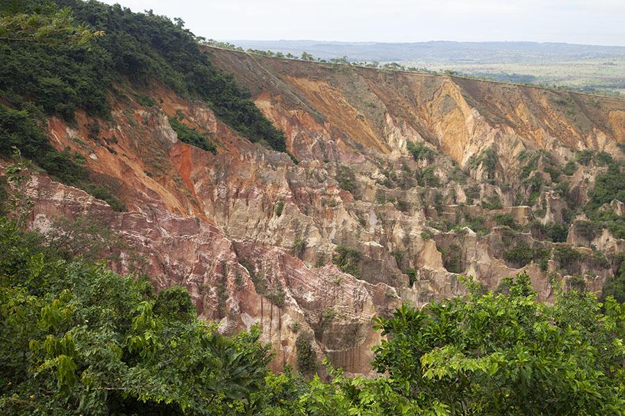 De canyon bij Léconi