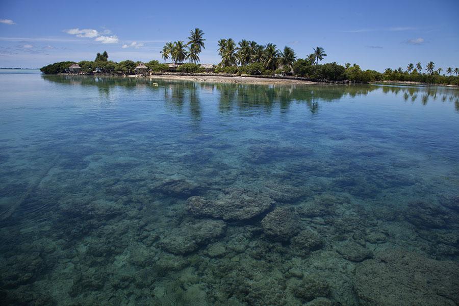 Een van de eilandjes aan de oostkant van het Tarawa atol
