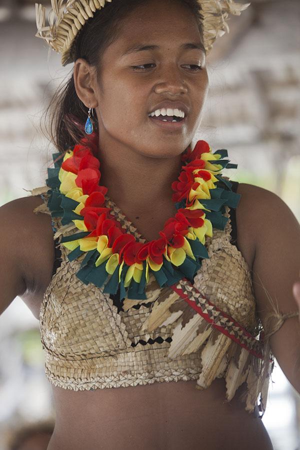 Traditionele danseres op Tarawa atol