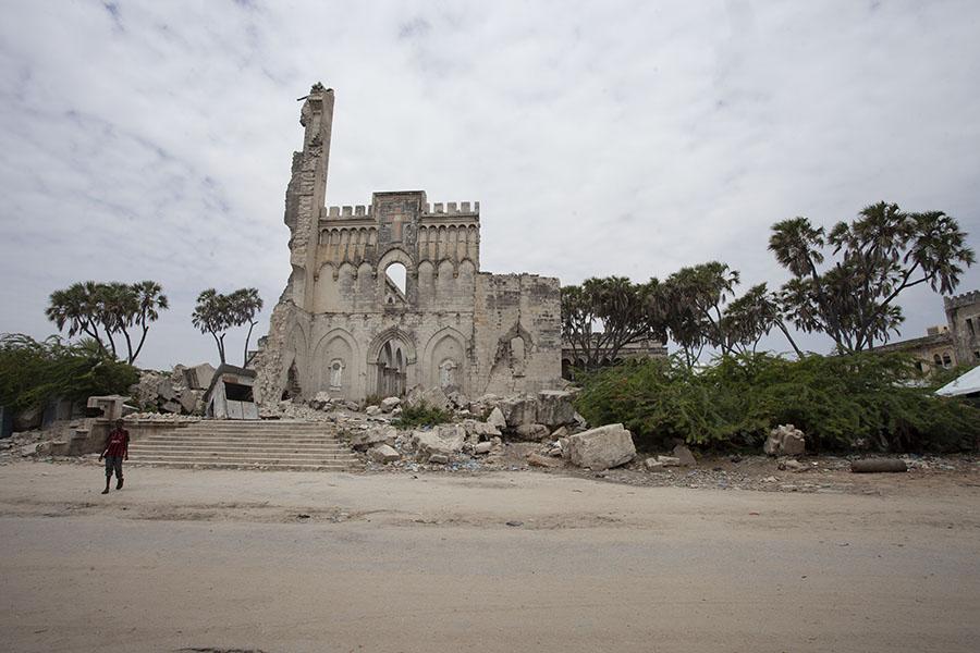 De ruïne van de kathedraal van Mogadishu