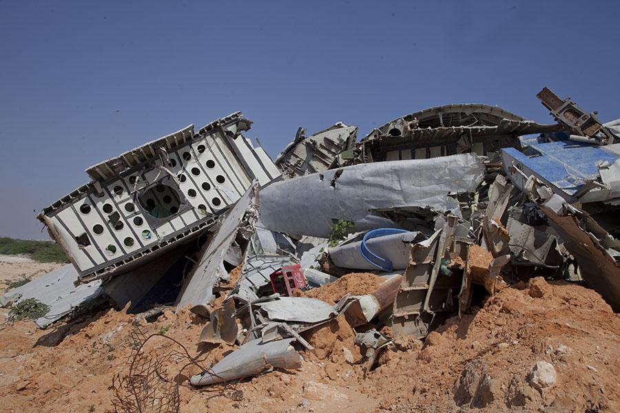Wrak van vliegtuig neergeschoten in de landing bij Mogadishu
