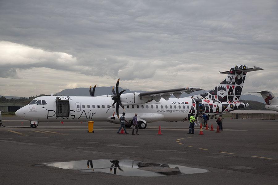 PNG Air vliegtuig met opvallende beschildering
