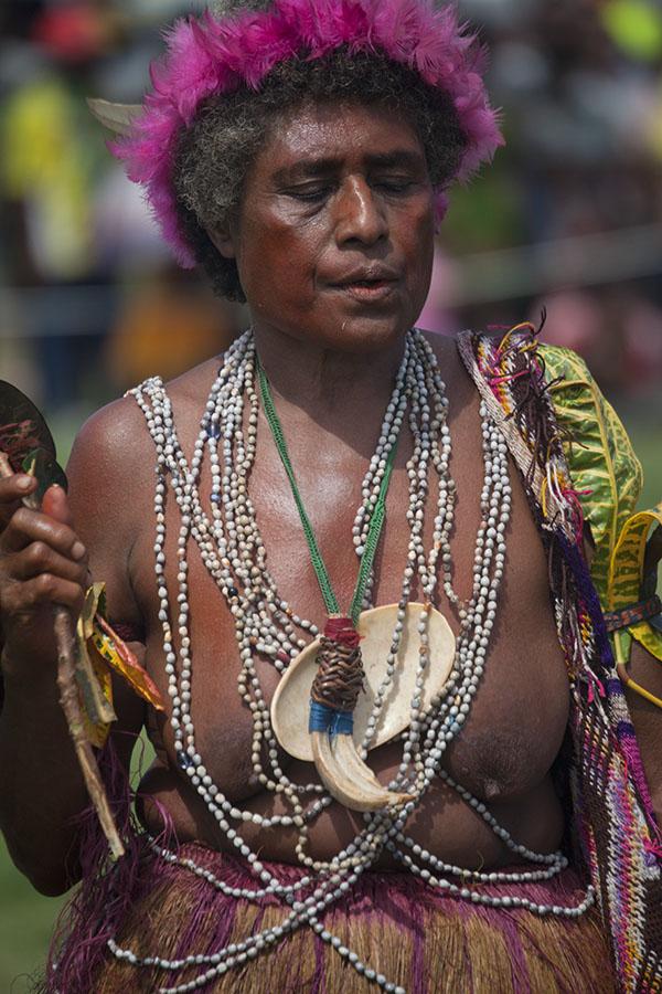 Papoea vrouw op het festival in Madang